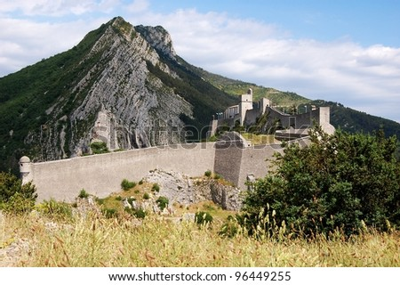 View on Sisteron fortress in Provence, France Old fortress of Sisteron and famous rock de la Baume