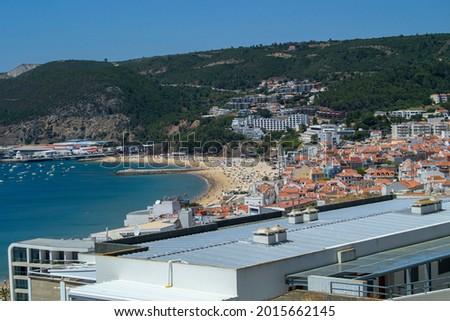 View Ouro Beach in Sesimbra Village Portugal 2021  Foto stock ©