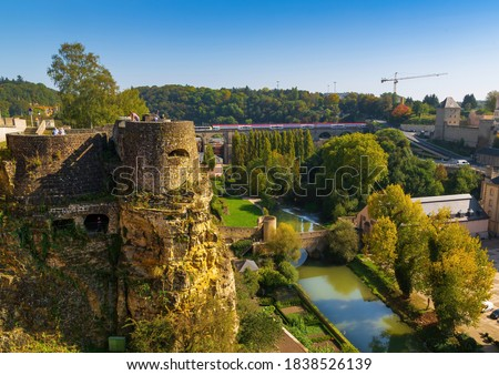 View over Luxembourg to the Parc de la Pétrusse and the casemates in autumn Photo stock ©