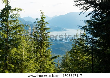 View over the Howe Sound Inlet, British Columbia, Canada Stock foto ©