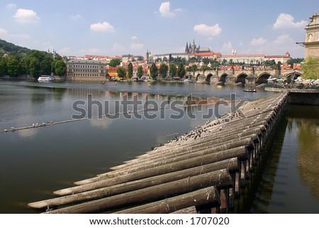 Ansicht zum Vltva Fluß, Prag alte Stadt und Charles Brücke,Landschaftslagebestimmung
