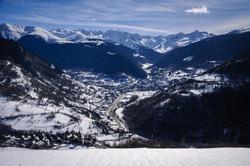 Views of the Aran Valley from the town of Mont, in winter (Aran Valley, Catalonia, Spain, Pyrenees) ESP: Vistas del Valle de Arán desde el pueblo de Mont, en invierno (Valle de Arán, Cataluña)