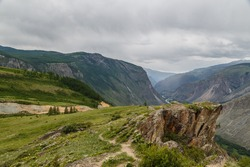 views of the ravine and mountains