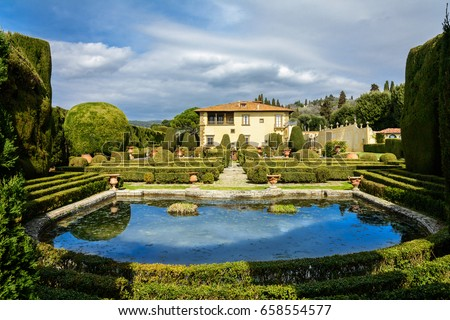 Villa Gamberaia with a lake and gardens near the town of Settignano. The suburbs of Florence. Tuscany Stock fotó ©
