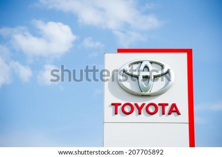 Toyota Logo Vector Eps Download Seeklogo