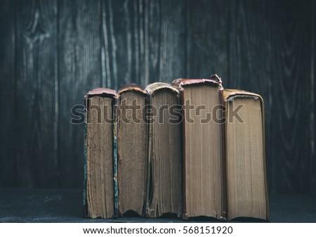 Vintage books  #568151920