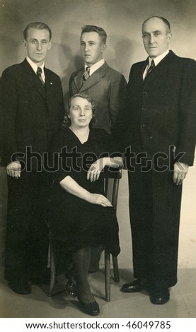 Vintage family photo, thirties
