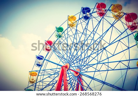 Vintage ferris wheel in the park vintage effect style pictures