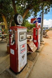 VINTAGE GAS PUMP-AUGUST 2015; vintage gas pumps Route 66