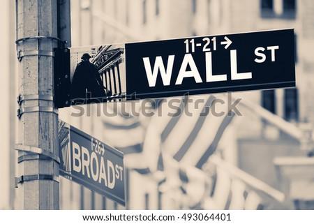 vintage looking wall street...