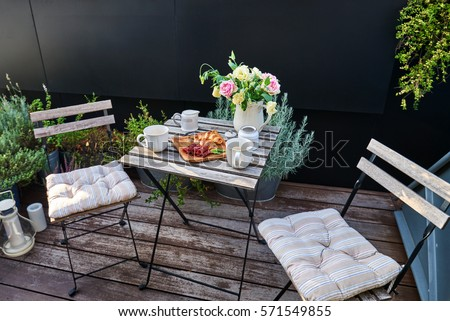 vintage outdoor coffee table in ...