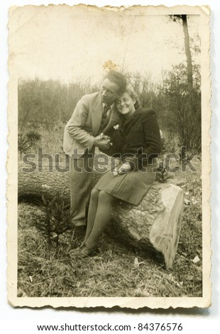 Vintage photo of couple (forties)