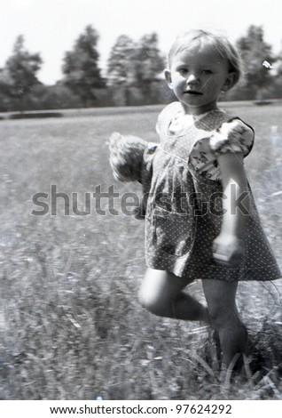 vintage photo of little girl ...