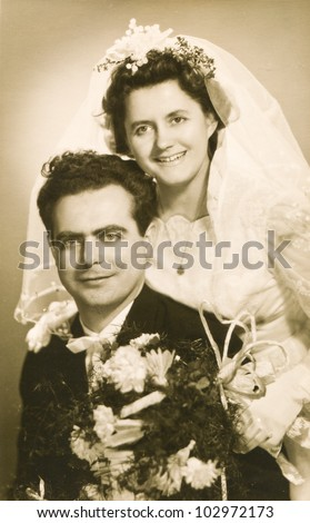 Vintage photo of newlyweds (fifties)
