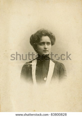 Vintage photo of woman circa 1910