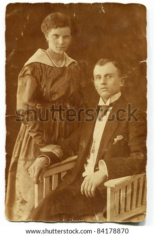 Vintage portrait of couple (circa 1910)