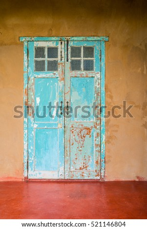 Free Photos Vintage Style Old House Interior Door And Windows