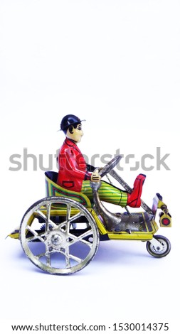 vintage tin toys of collectible items #1530014375