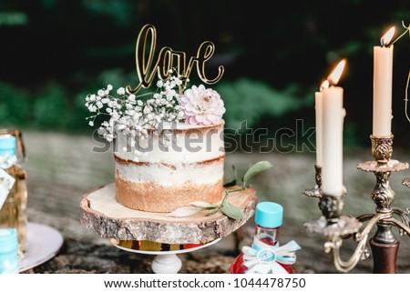 Vintage Wedding Decoration Naked Cake Love Gold