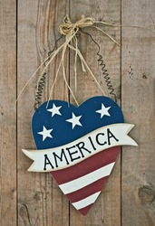 vintage wooden patriotic heart shape decor with word