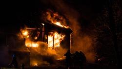Violent Building fire in auto repair shop