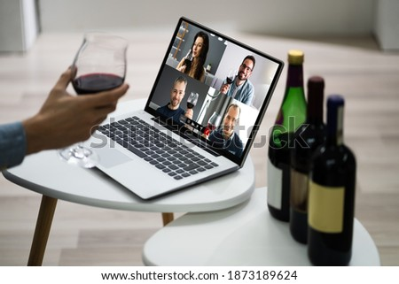Virtual Wine Tasting Event Party On Laptop Сток-фото ©