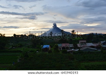 volcano erupt