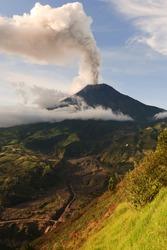 volcano erupting active ecuador tungurahua exploding volcanic vulcanic destruction tungurahua vulcan steaming 29 11 2010 ecuador south america 4pm local time volcano erupting active ecuador tungurahua