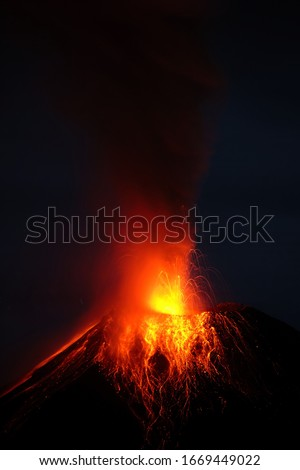 volcano erupting lava volcanic explosion tungurahua night magma tungurahua volcano eruption 29 11 2010 ecuador south america 4am local time volcano erupting lava volcanic explosion tungurahua night ma
