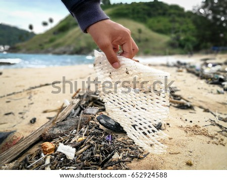 volunteers clean beaches