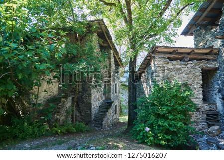 Walk around the Italian Alps, Musciano a small abandoned mountain pasture in Valtellina