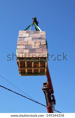 Wall block on the crane
