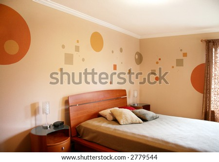 Wall design in a modern bedroom