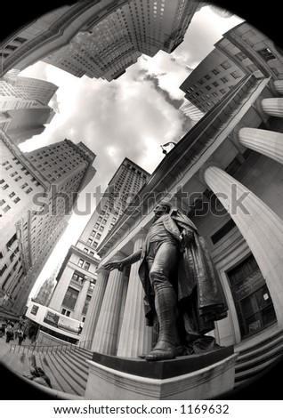Wall street  - washington statue