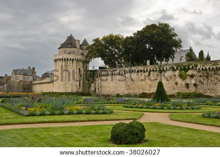 Walls and gardens in Vannes, Brittany, France #38026027