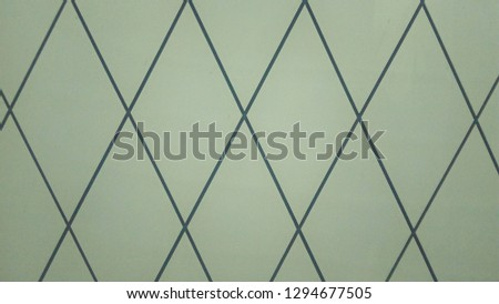 walls in the fitting room in the store