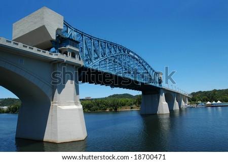 Walnut Street Bridge across Tennessee River