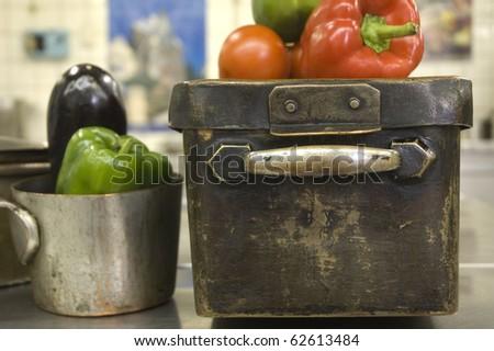 Ware Ancient Antique Kitchen Chef Cooking Copper