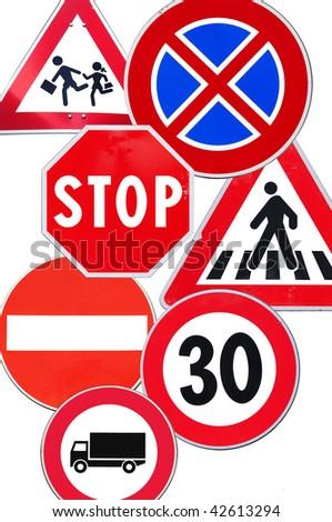 Warning and interdiction road signs