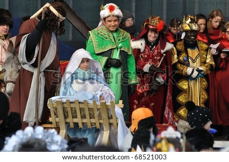 WARSAW - JANUARY 06: Reenactment Nativity scene of Adoration of the Magi during the annual Three Kings Day Parade on January 06, 2011 in Warsaw, Poland.