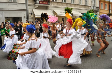 WARSAW - SEPTEMBER 5: Participants in the Carnival Parade - Bom Dia Brasil. September 5, 2009 in Warsaw, Poland.