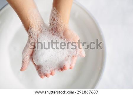 wash hand #291867689