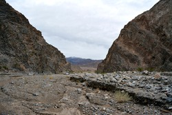 wash of the Cottonwood Canyon, 4wd drive in the Death Valley National park
