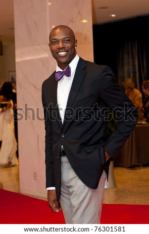 terrell owens girlfriend. dresses Terrell Owens Jabs