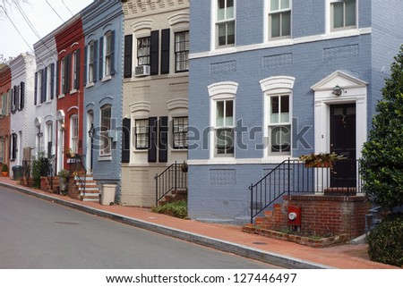 Washington DC, Georgetown historical district - A street with preserved old mansions