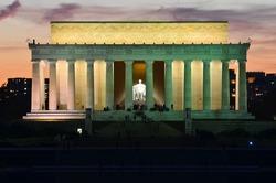 Washington DC, Lincoln Memorial at night