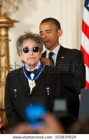 WASHINGTON - MAY 29: Singer Bob Dylan receives the Presidential Medal of Freedom at a ceremony at the White House May 29, 2012 in Washington, D.C.