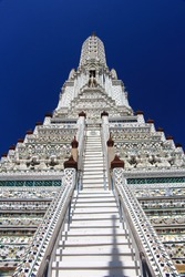 Wat Arun (Temple of Dawn): This temple is considered one of the most beautiful temples in Bangkok, Thailand.