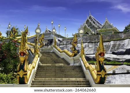 Wat Kaew Korawaram in Krabi, Thailand