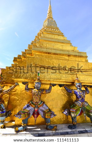 wat phra kaew  the most famous landmark in Thailand